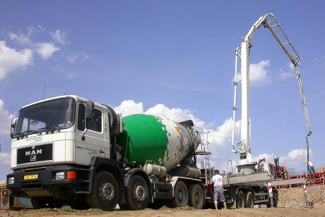 Kvalitní beton Steelcrete do základů rodinného domu dodá skupina Českomoravský beton
