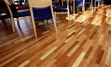 Dřevěná podlaha pokládka