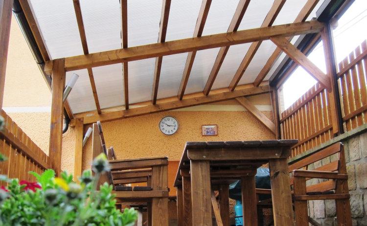 oprava střechy lepidlem