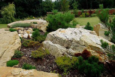 Okrasné kameny na zahradu