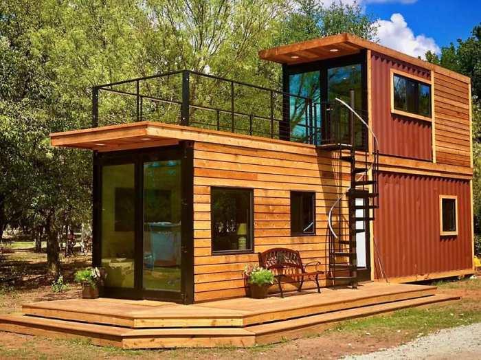 Patrový rodinný dům postavený ze 3 kontejnerů.