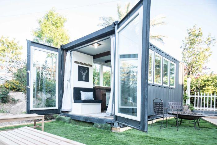 Kontejnerový dům coby zahradní domek.