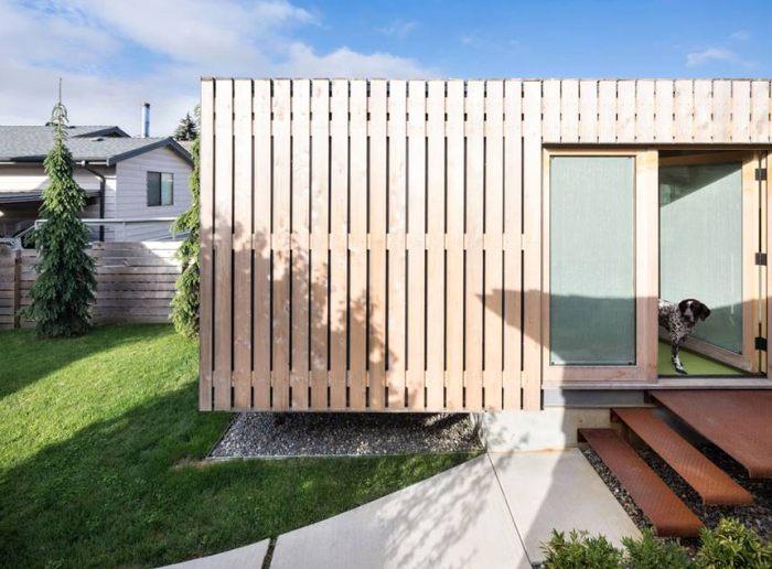Home office vytvořený z kontejnerů