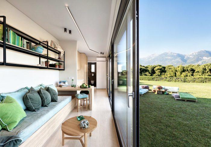 Plnohodnotné bydlení vytvořené z kontejnerů.