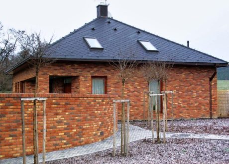Stavebnice domu z cihel