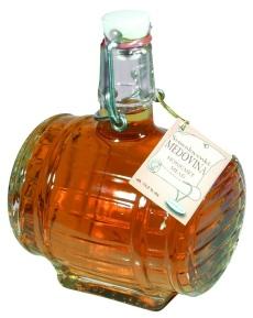 Medovina patří mezi oblíbené zimní nápoje stejně jako punč a grog